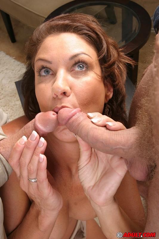 Крикливая женщина пробует двойное проникновение впервые в жизни