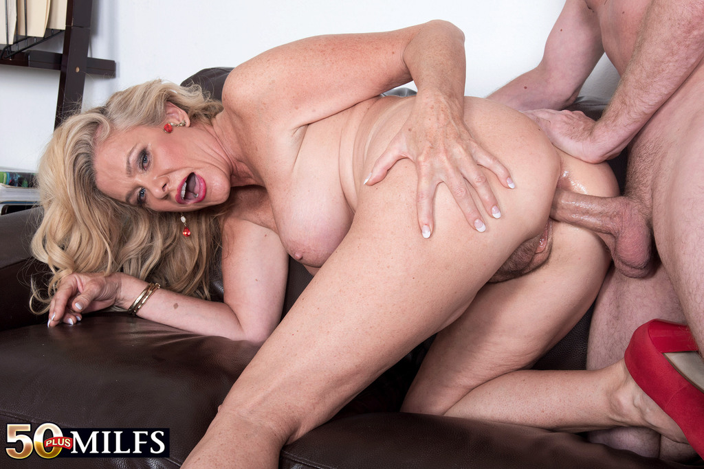 Lesbian pornography movies