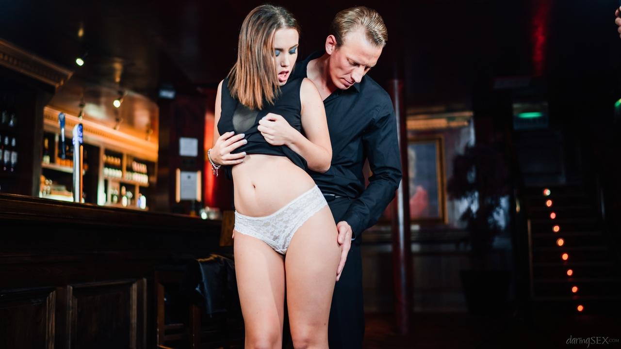 После хорошего совокупления кончил спермой в рот половой партнерши