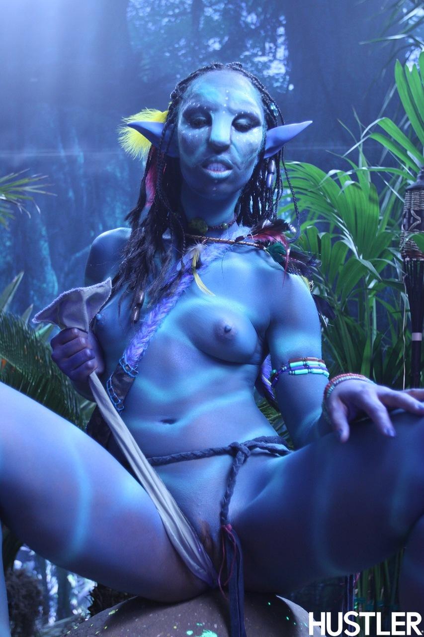 Качественный косплей от известной порно актрисы на Аватар
