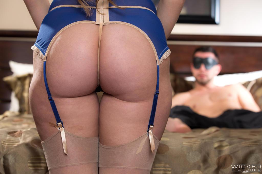 Секс с порнозвездой Харли Джэйд в красивом нижнем белье (Harley Jade)