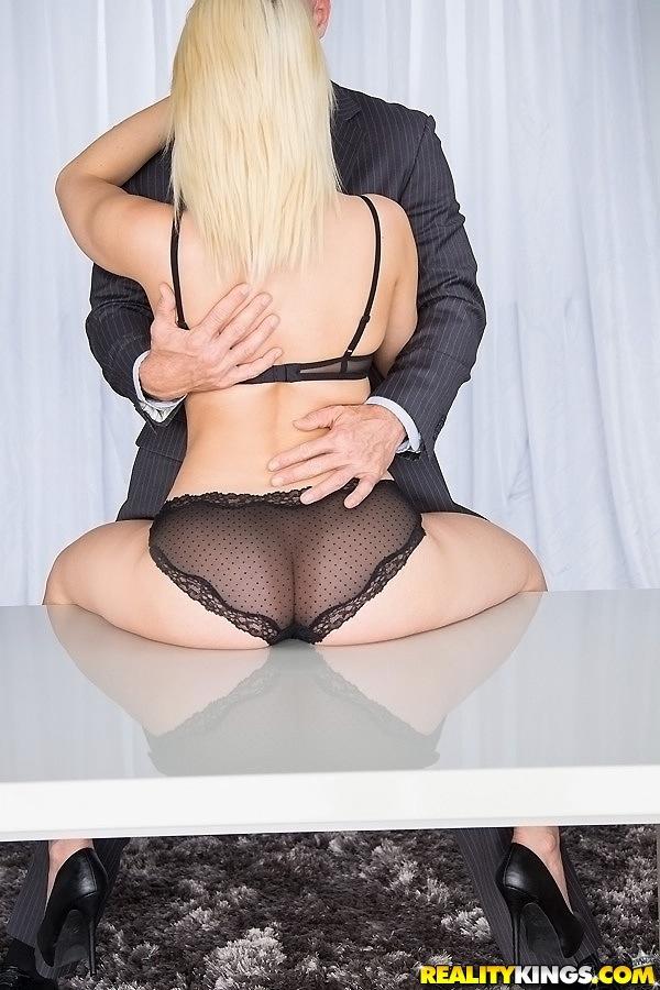 Секс после бизнес встречи