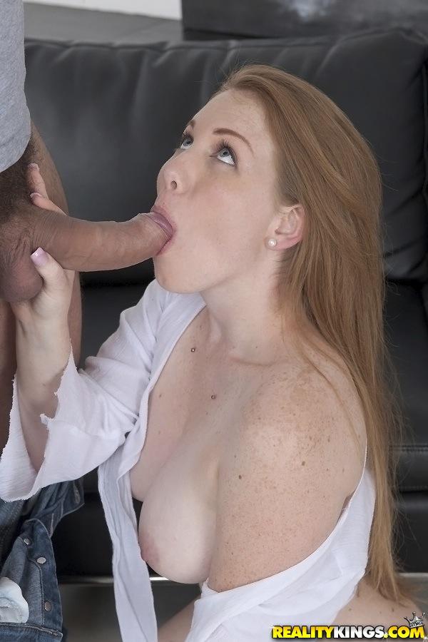 Грудастая Бре Пеоникс обожает отсасывать член и сперму во рту