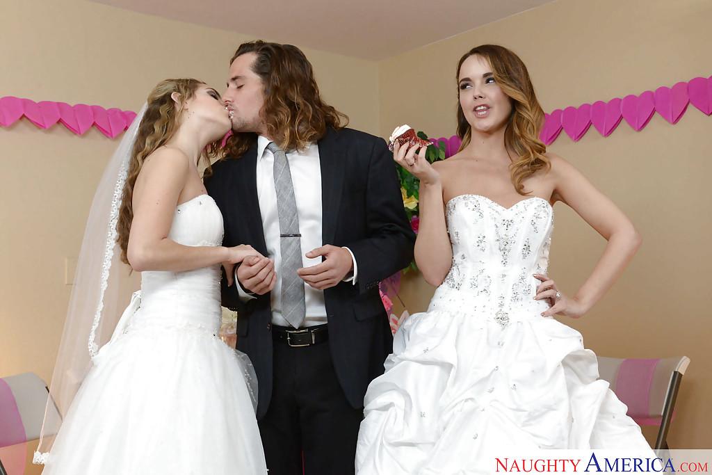 Свадебное порно с двумя шикарными девушками в белых чулках