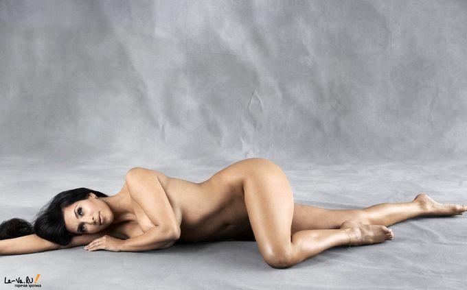 Ким Кардашьян в бикини - 2