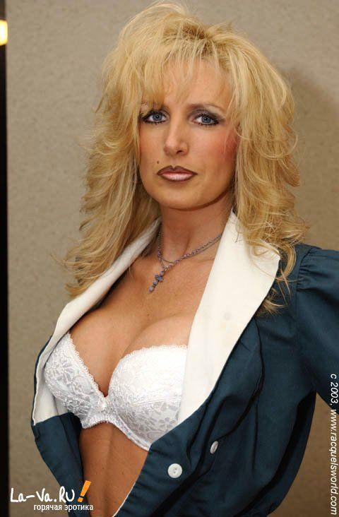 Женщина с очень сексуальным телом - фото #9