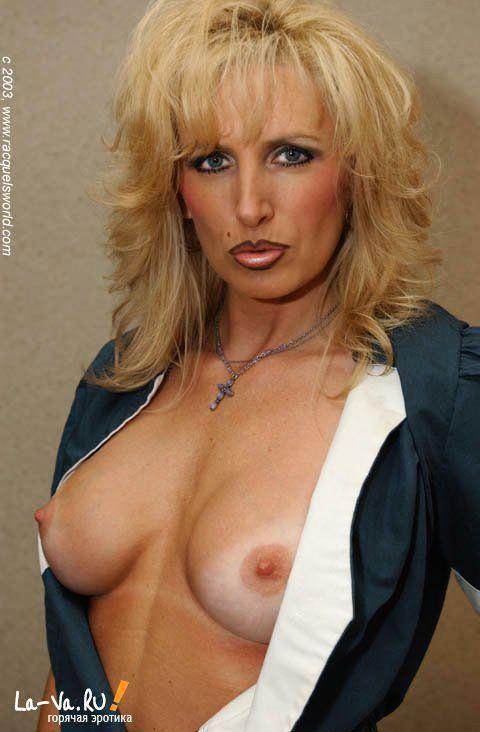 Женщина с очень сексуальным телом - фото #10