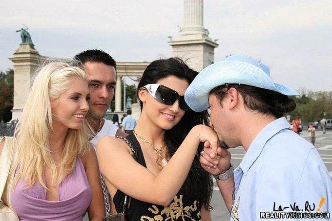 Туристы познакомились с местным шлюхами