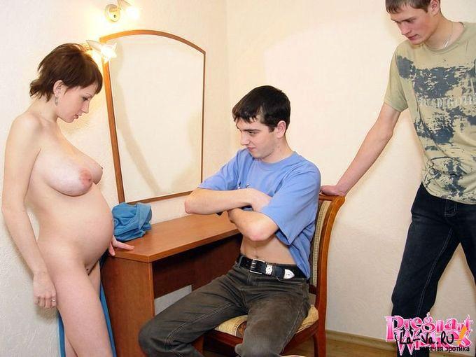 Беременная за оказанную помощь согласилась отсосать - фото #9