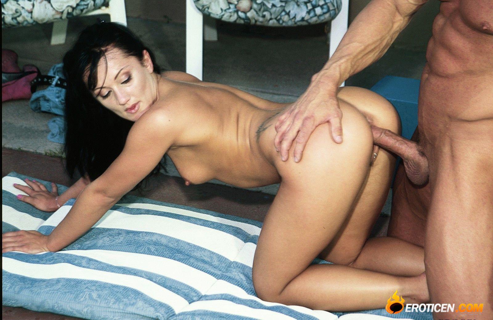 Секс в чулках смотрите порно на СексДевок.com