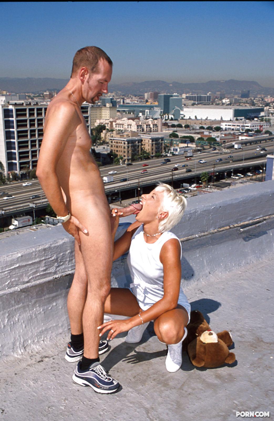 Анальный секс на крыше