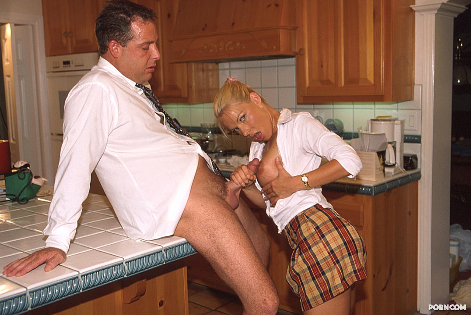 Секс с приемной дочерью 29 фотография