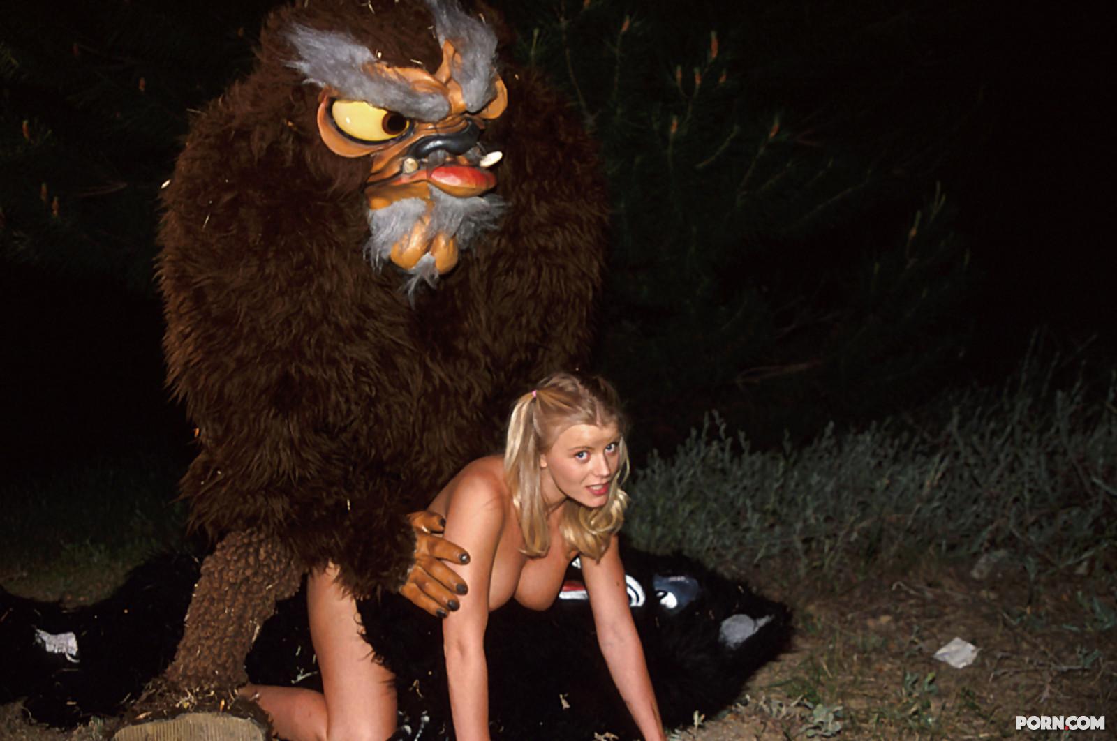 Секс темном лесу 3 фотография