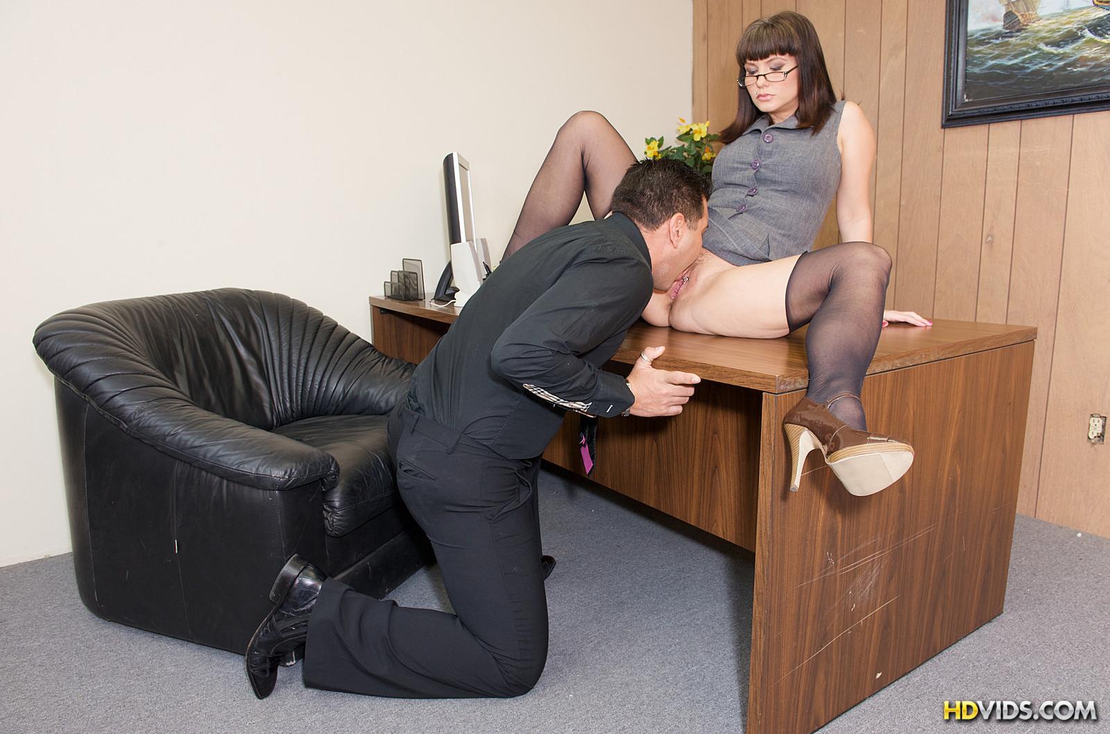 Секс в перерывах на работе русское 16 фотография