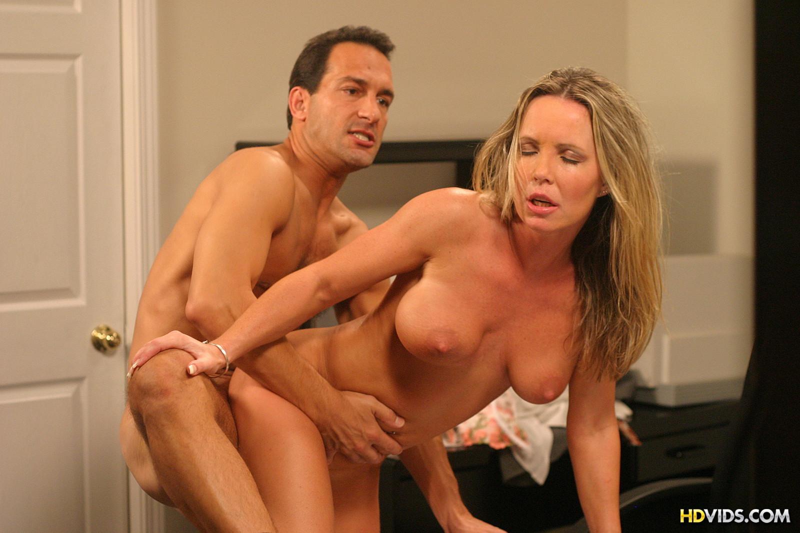 Страстная мамаша порно 11 фотография