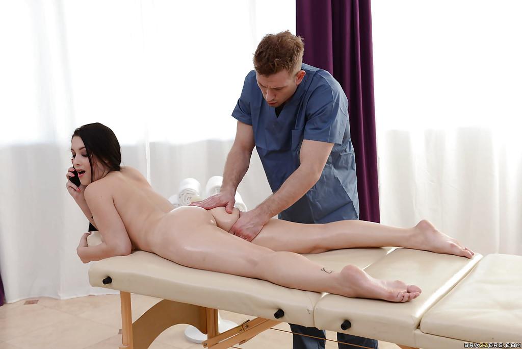 porno-vozbudil-massazhem-brat
